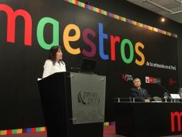 """Ministra Magali Silva presenta el libro """"Maestros de la Artesanía en el Perú"""""""