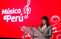 Ministra Magali Silva inaugura Market Place del Festival Música Perú