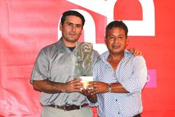 Ministra Silva felicita a artesanos capacitados por Mincetur que ganaron el premio al diseño Padis 2015