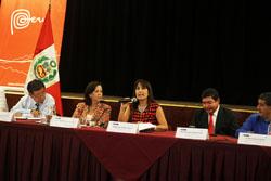 Ministra Magali Silva presenta estrategias para consolidar el sector turismo ante gobernadores, alcaldes y funcionarios de las regiones.