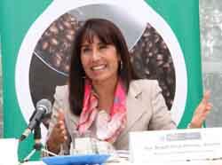 Ministra Magali Silva felicita a empresa de servicios reconocida por novedosa aplicación