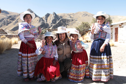 Ministra Magali Silva presenta al Pueblo de Piedra de Sibayo en Arequipa como Nuevo Producto Turístico con inversión de S/. 5 millones