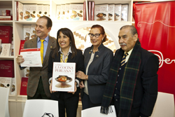 Ministra Magali Silva entrega licencia de uso de la Marca Perú a libro 'El Arte de la Cocina Peruana'