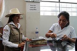 Ministra Magali Silva: artesanos de cinco regiones accederán a servicios financieros para mejorar sus ventas