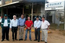 Mincetur y delegación de empresarios visitan control fronterizo de Iñapari