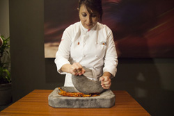 Mónica Huerta lleva la tradición de la cocina peruana a Milán