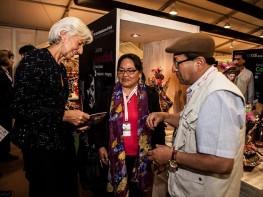 """Ministra Magali Silva destaca éxito de """"Perú, Mucho Gusto Gourmet"""" y """"Peru Handicraft Market"""" en Juntas de Gobernadores del BM y FMI"""