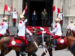Ministra Magali Silva presidió tradicional Cambio de Guardia Montada en el patio de honor de Palacio de Gobierno