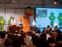 Artesanía peruana promovida por Mincetur destacó en la X Subasta de Verano 2016 del MALI
