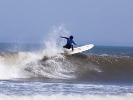 Hoy llegan 17 surfistas israelíes promovidos por Mincetur