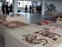 Colección de textiles peruanos se exhibe en Italia con motivo de la Semana del Diseño de Milán