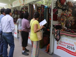 Artesanos vendieron por S/. 875 mil en la feria De Nuestras Manos de Mincetur, 25% más que el año anterior