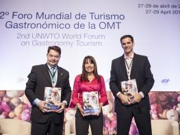 """Ministra Magali Silva presentaestudio """"Alianza entre turismo y cultura en el Perú"""" publicado por la OMT"""