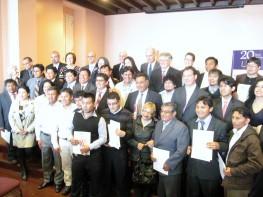 Ministra Silva saluda a los artesanos del CITE Joyería de Catacaos que ganaron el concurso del Patronato Plata del Perú