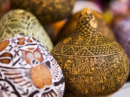 Cuarenta y tres talleres de artesanos de Mate Burilado obtienen certificación en norma técnica y elevarán calidad de sus productos
