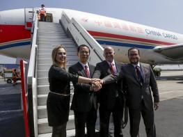 Perú realiza primer envío aéreo de productos a China