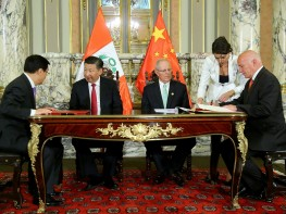 Perú y China acuerdan realizar estudio para optimizar Tratado de Libre Comercio