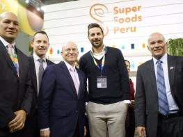 "Mincetur presentó a Claudio Pizarro como vocero internacional de la marca ""Superfoods Peru"""