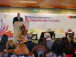 """Ministro Ferreyros: """"Perú busca promover viajes fáciles, ordenados y seguros"""""""