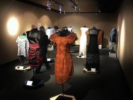 Artesana de la comunidad amazónica de Cantagallo inspira colección de vestidos presentada en México