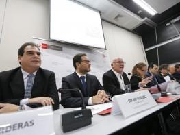 Gobierno anuncia trece medidas para mejorar la competitividad del comercio exterior