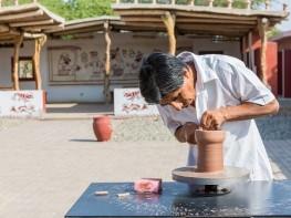 """Ministro Ferreyros saluda a los artesanos del país al celebrarse el """"Día del Artesano Peruano"""""""